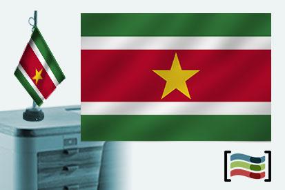Bandera de Surinam sobremesa bordada