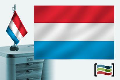 Bandera de Luxemburgo sobremesa bordada