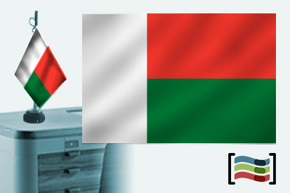 Bandera de Madagascar sobremesa bordada