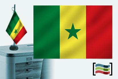Bandera de Senegal sobremesa bordada