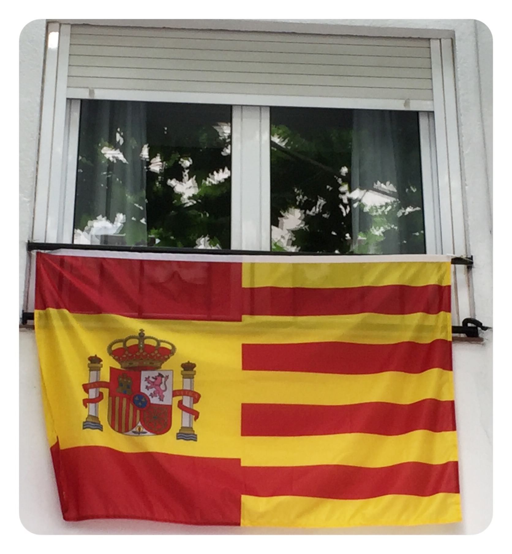 816b2f899917d Comprar Bandera España con escudo y Cataluña - Comprarbanderas.es