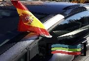 Bandera y mástil de coche